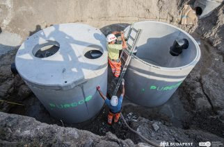 Új szűrőrendszer segítségével megtisztított csapadékvíz folyik a Dunába